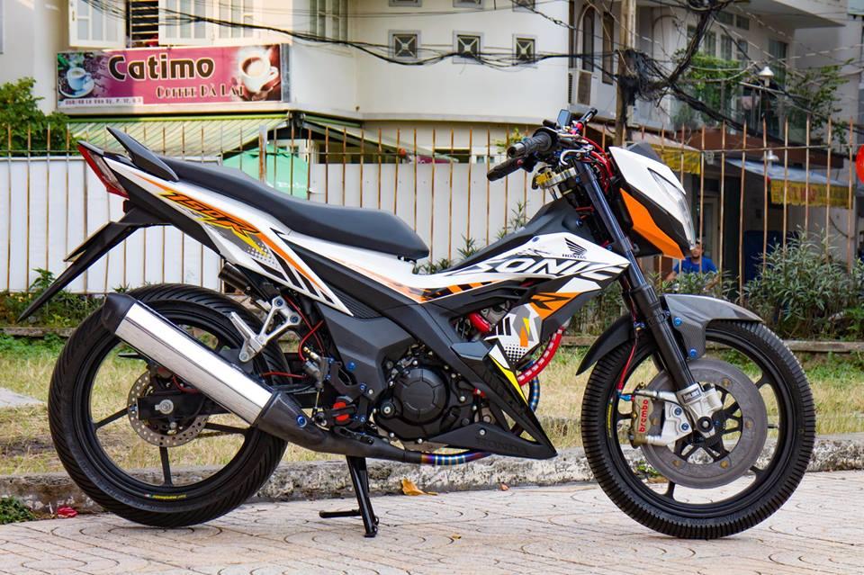 Honda Sonic 150R do cuc KHUNG voi khoi do choi hoang toc cua biker Viet - 3