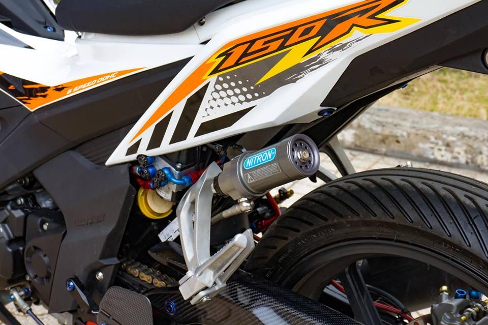 Honda Sonic 150R do cuc KHUNG voi khoi do choi hoang toc cua biker Viet - 9