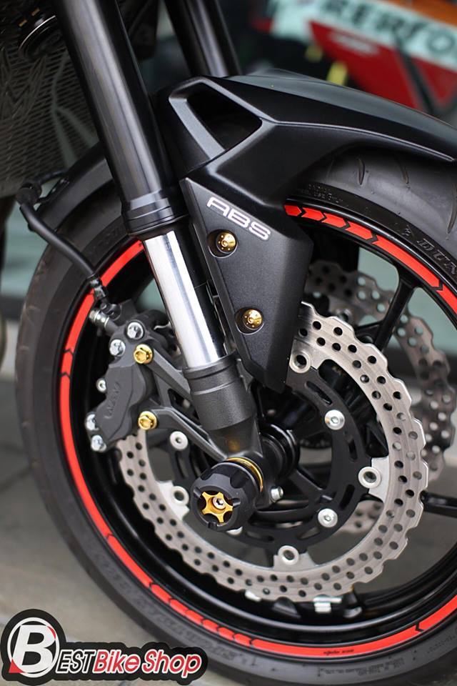 Kawasaki Z900 Nakedbike pho dien trang bi cong nghe toi tan - 8