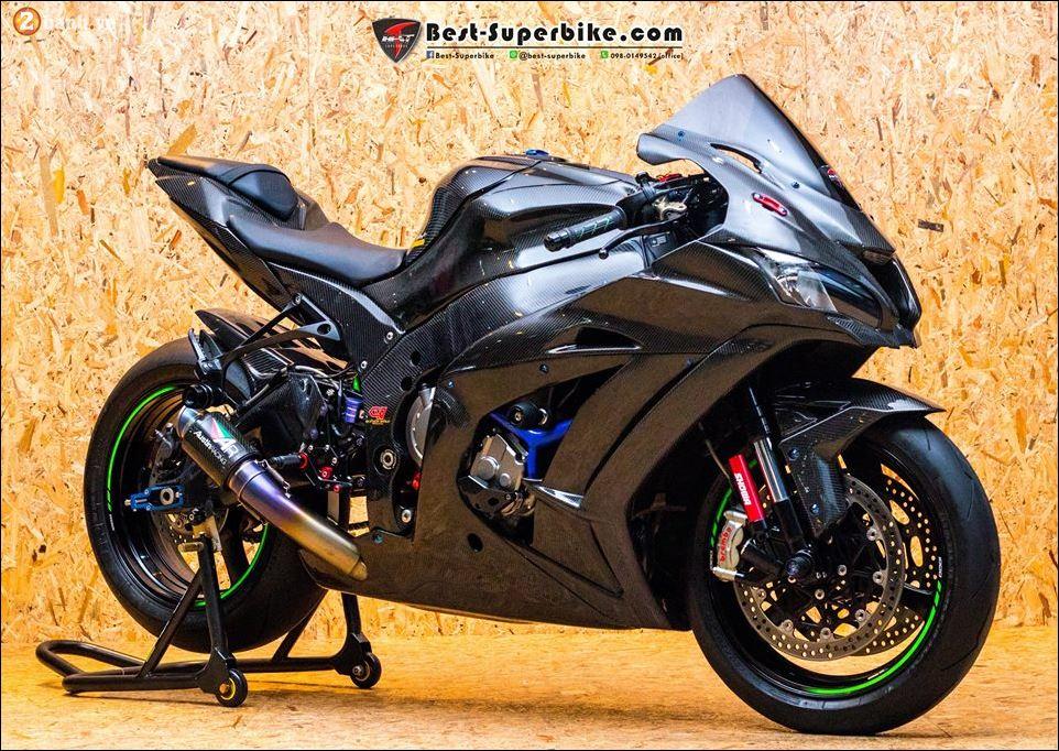 Kawasaki ZX10R ban do buc pha khong ty vet tu option Carbon Clever Wolf