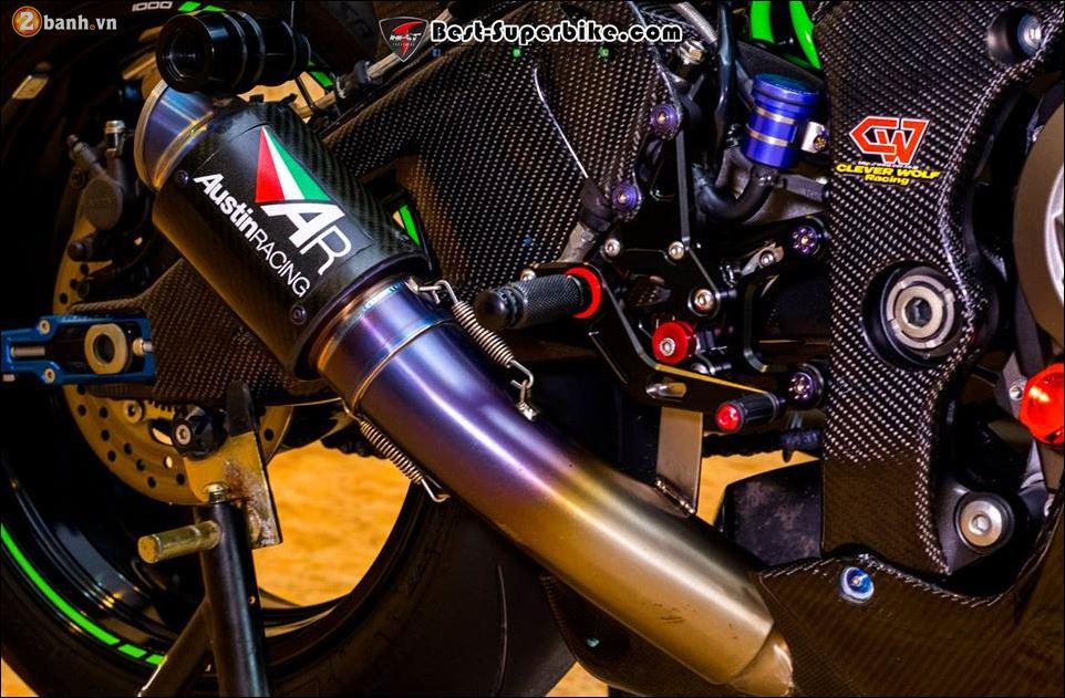 Kawasaki ZX10R ban do buc pha khong ty vet tu option Carbon Clever Wolf - 14