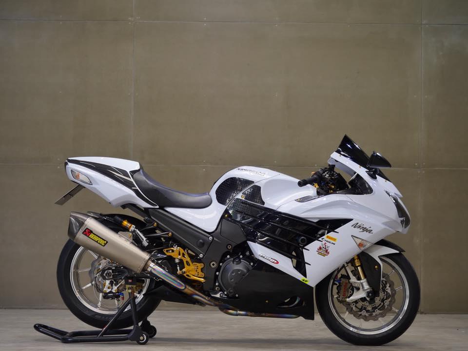 Kawasaki ZX14R Chien than toc do mot thoi ruc ro
