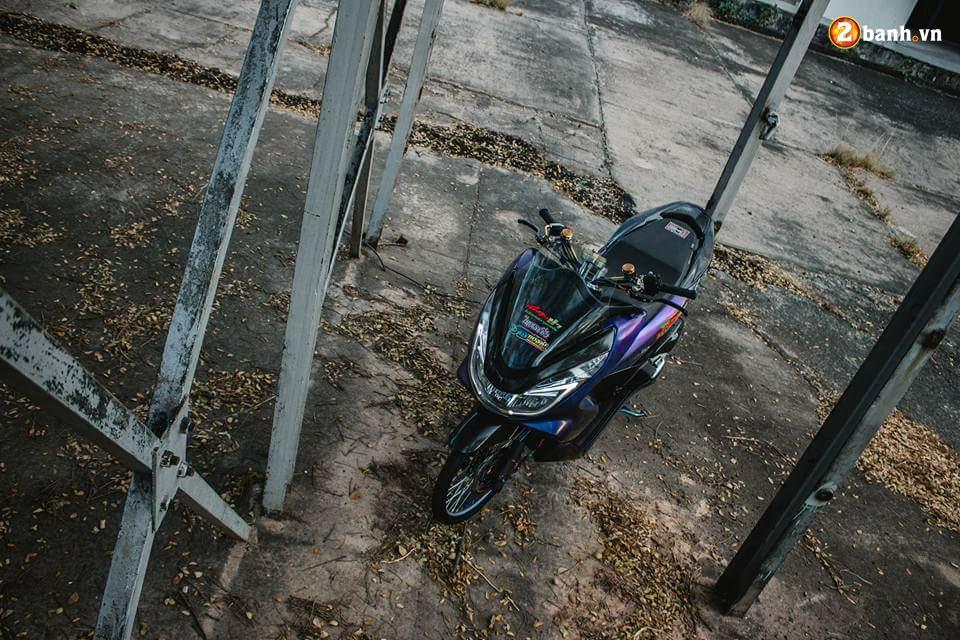 PCX 150 do chuyen mau day huyen bi dam minh trong khu xuong bo hoang - 12