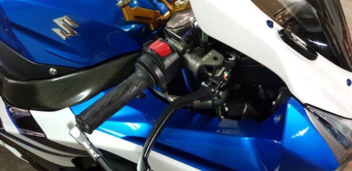 Suzuki GSXR1000 lot xac tao bao cung dan chan Marchesini - 4