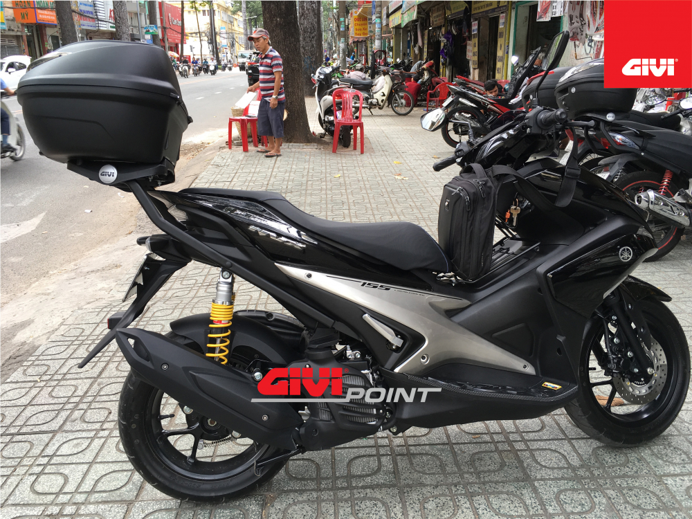 Thung sau GIVI cho cac dong xe - 6
