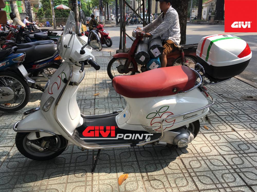 Thung sau GIVI cho cac dong xe - 10
