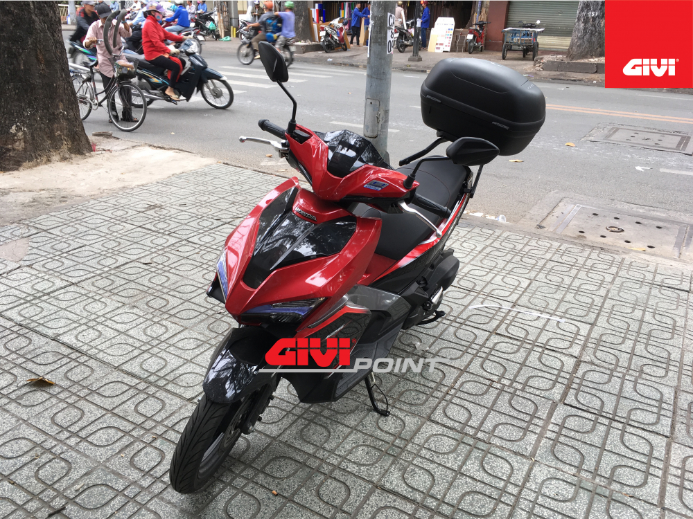 Thung sau GIVI cho cac dong xe - 25