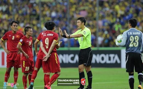 Trong tai xu ep DT Viet Nam o AFF Cup 2014 bat tran chung ket U23
