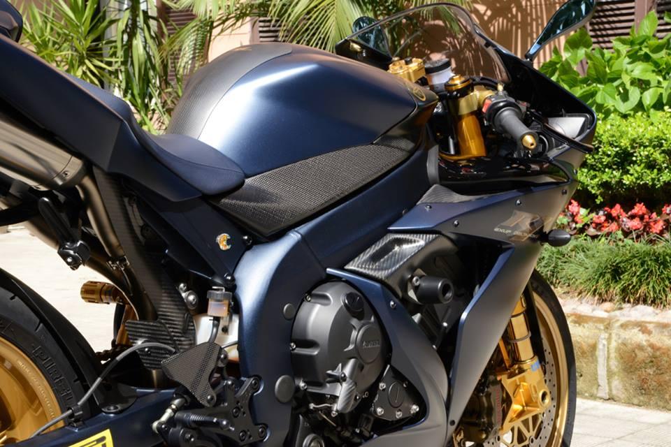Yamaha R1 chien ma toc do lot xac khong tuong tu trang bi khung - 14
