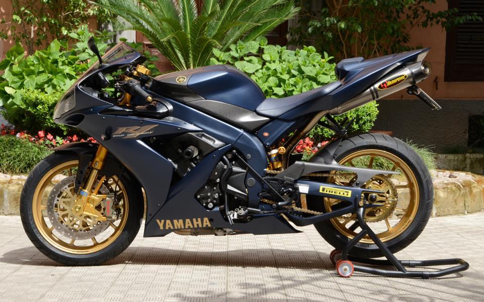 Yamaha R1 chien ma toc do lot xac khong tuong tu trang bi khung - 20