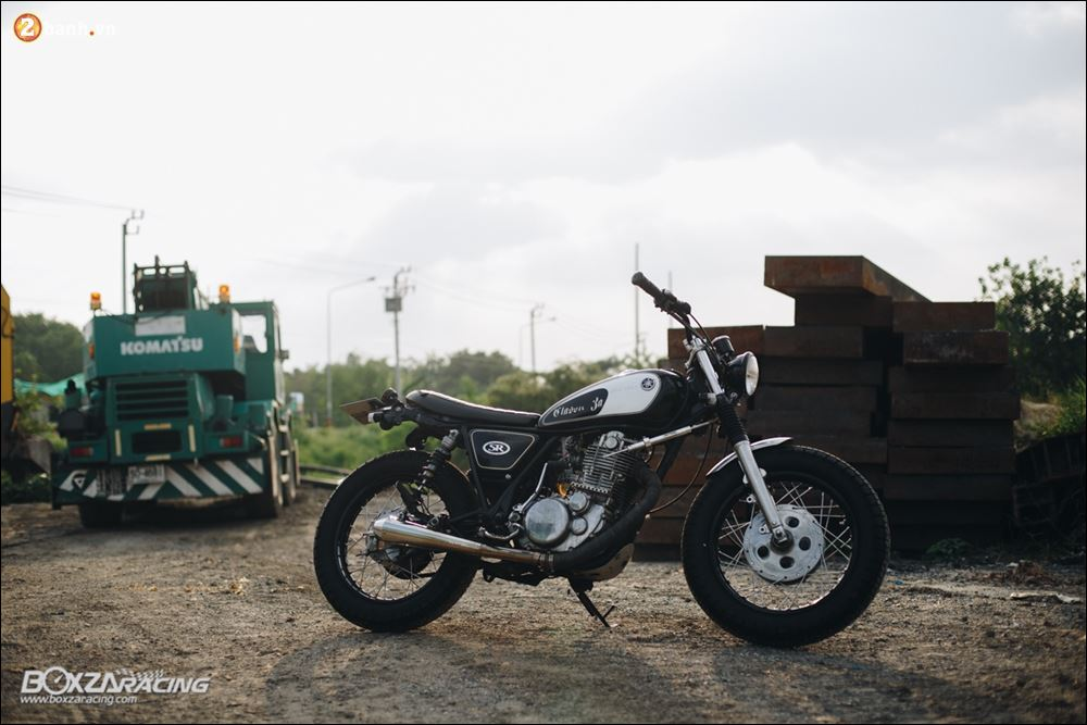 Yamaha SR400 phong tran lich lam qua Version Dirt Style Classic - 11