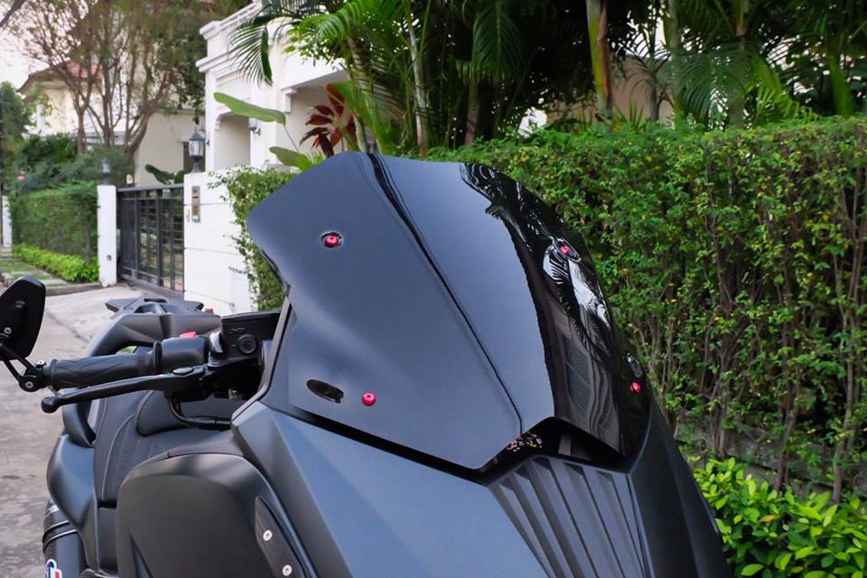 Yamaha TMax ban do nhuc nhoi tu trang bi khung - 4