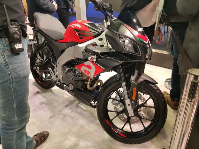 Aprilia RS150 2018 va Aprilia Tuono 150 2018 Chinh thuc ra mat tham chien thi truong 150cc - 3
