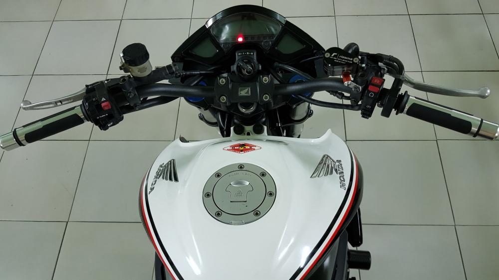 Ban Honda CB1000R 112010 HQCNHISSODO 26KBien So Saigon - 15