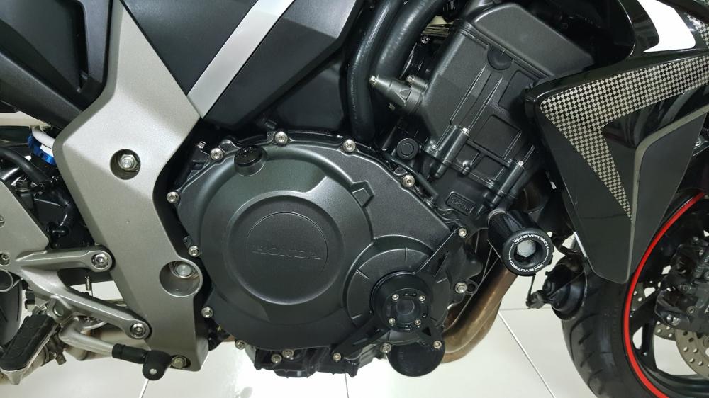 Ban Honda CB1000R 112010 HQCNHISSODO 26KBien So Saigon - 18