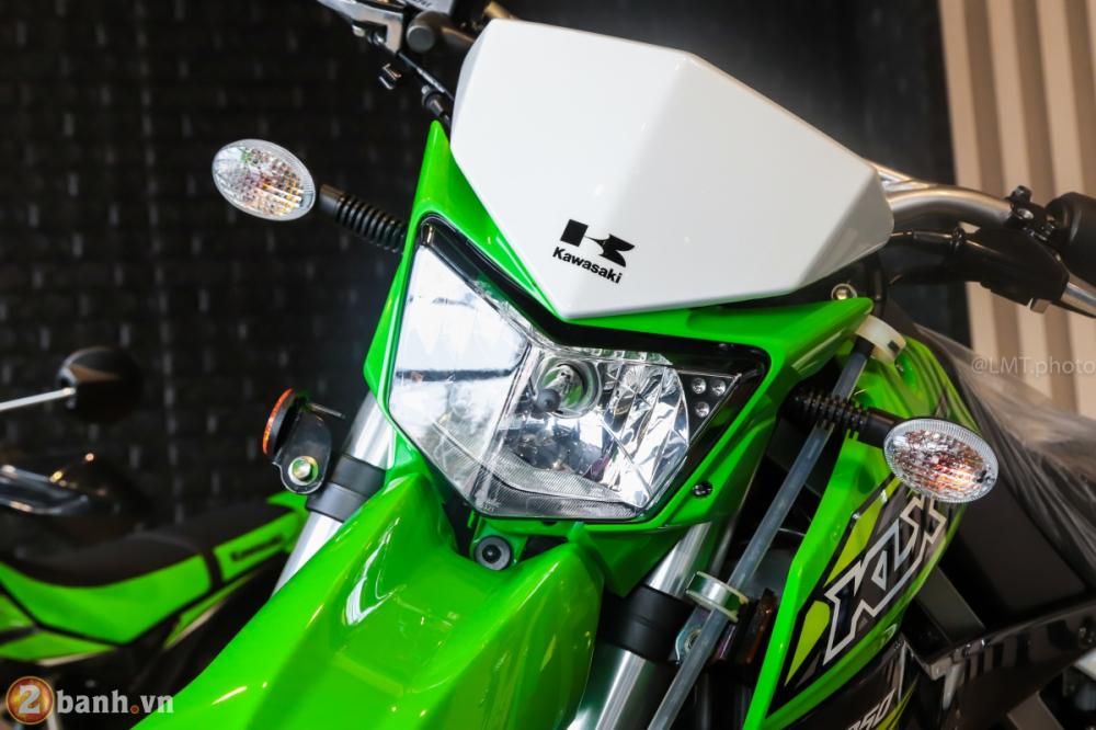 Can canh chi tiet Kawasaki KLX 250 gia tu 121 trieu dong - 3