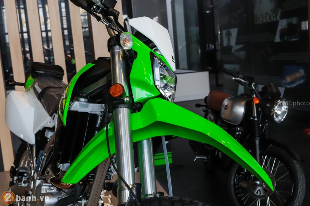 Can canh chi tiet Kawasaki KLX 250 gia tu 121 trieu dong - 5