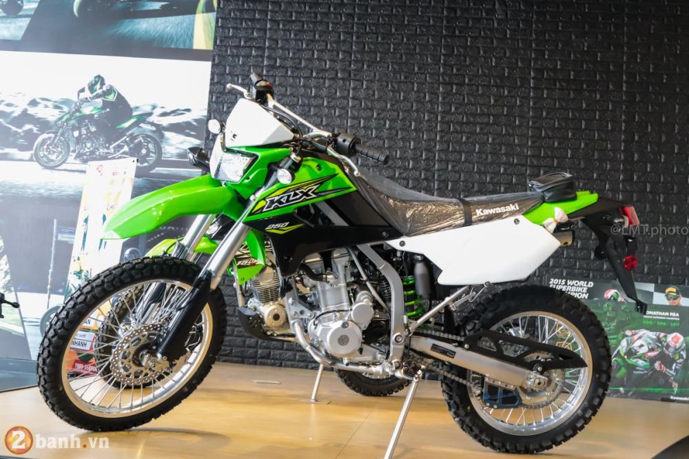Can canh chi tiet Kawasaki KLX 250 gia tu 121 trieu dong - 26