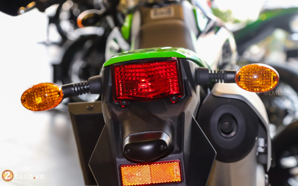 Can canh chi tiet Kawasaki KLX 150 gia tu 79 trieu dong - 22