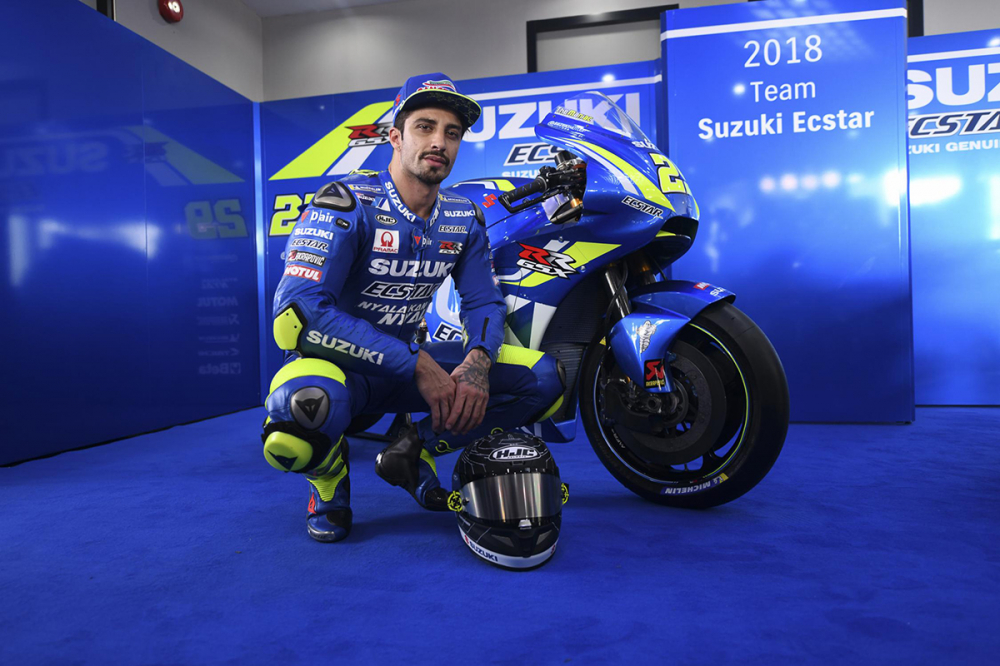 Chi tiet Suzuki GSXRR 2018 tham du mua giai motoGP - 7