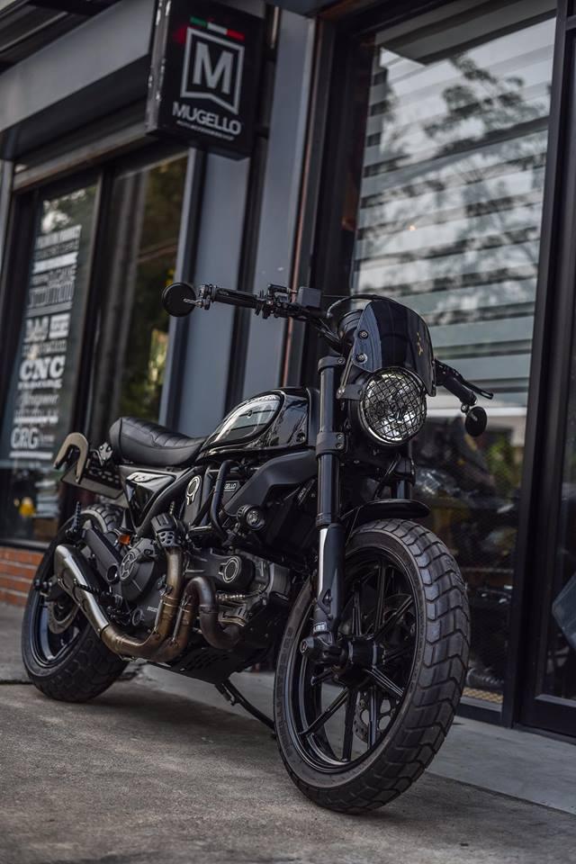 Ducati Scrambler ban do Dark knight cuc chat den tu Mugello