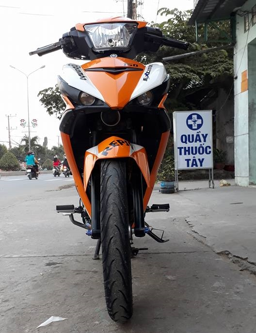 Exciter 150 do dan chan Racing boy dam chat the thao trong bo canh Repsol - 4