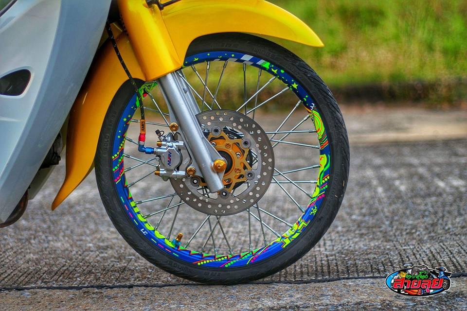 Honda Cub do voi option do choi kieng gia tri cua biker Thailand - 4