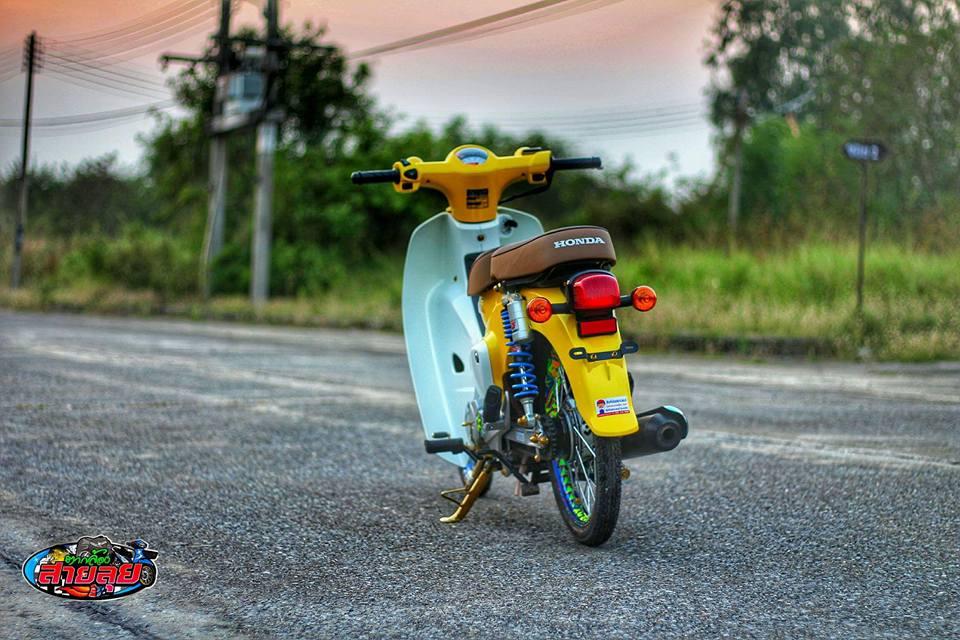 Honda Cub do voi option do choi kieng gia tri cua biker Thailand - 12