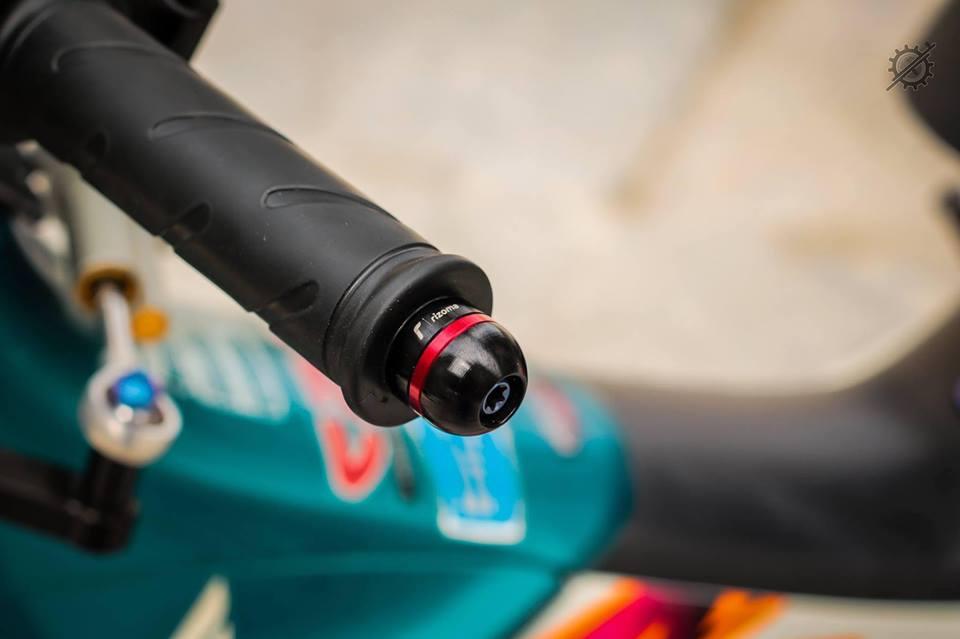Honda Nova Dash Dua con cua gio cung loat do choi khung tu Biker mien tay - 4
