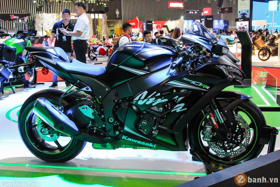 Kawasaki trieu hoi gan 4000 chiec ZX10R va ZX10RR loi he thong truyen dong