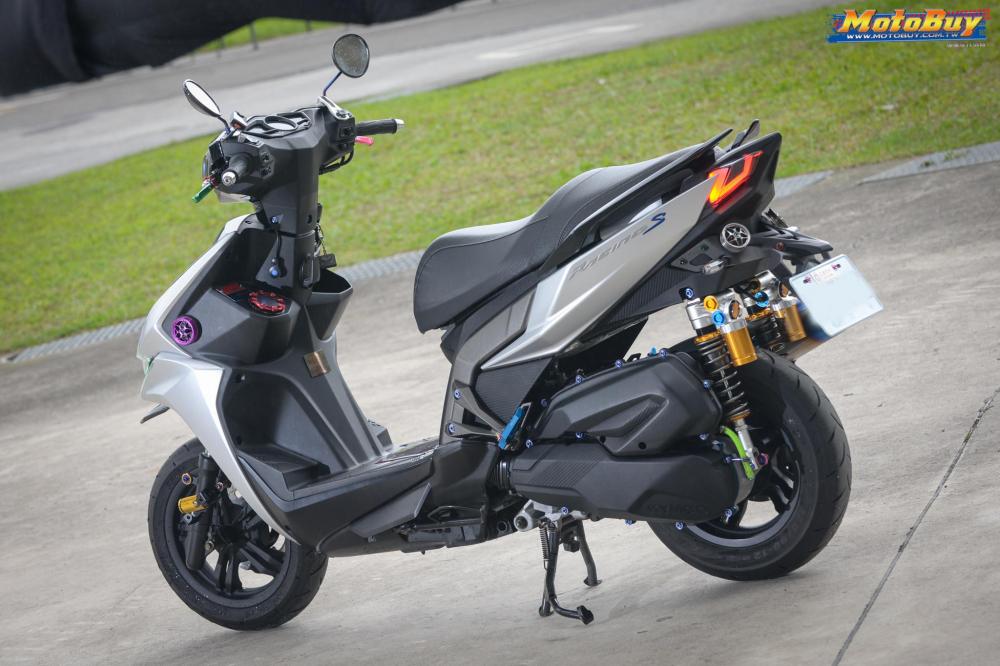KYMCO RacingS 150 do dang cap voi khoi do choi hieu cua biker xu Dai - 10