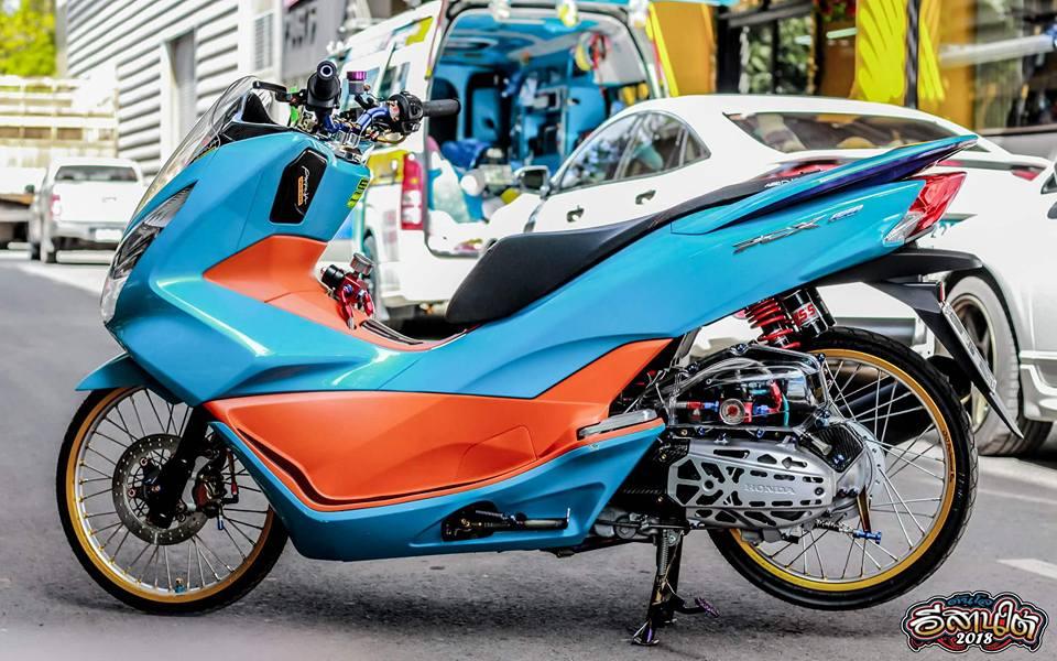 PCX 150 do tone mau Nitron day sang trong cua biker xu chua vang - 8