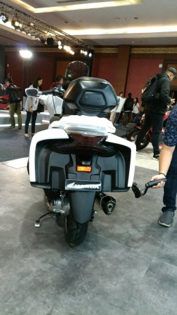 Xuat hien PCX 150 2018 phien ban Touring sang trong - 5