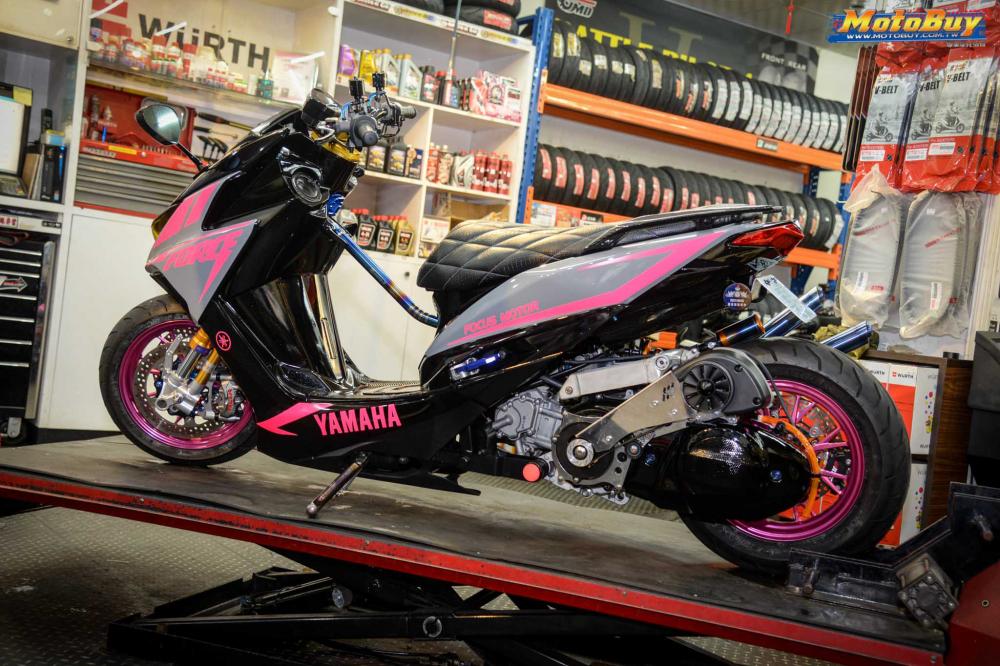 Yamaha Force 155 do voi man buc pha day an tuong cua biker nuoc ban - 3