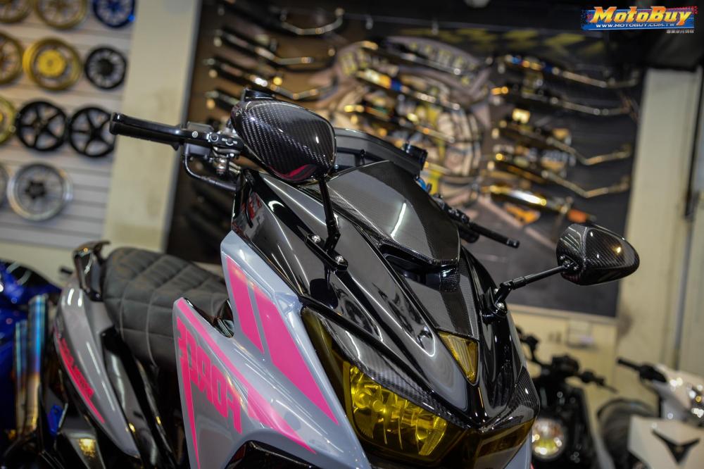 Yamaha Force 155 do voi man buc pha day an tuong cua biker nuoc ban - 4