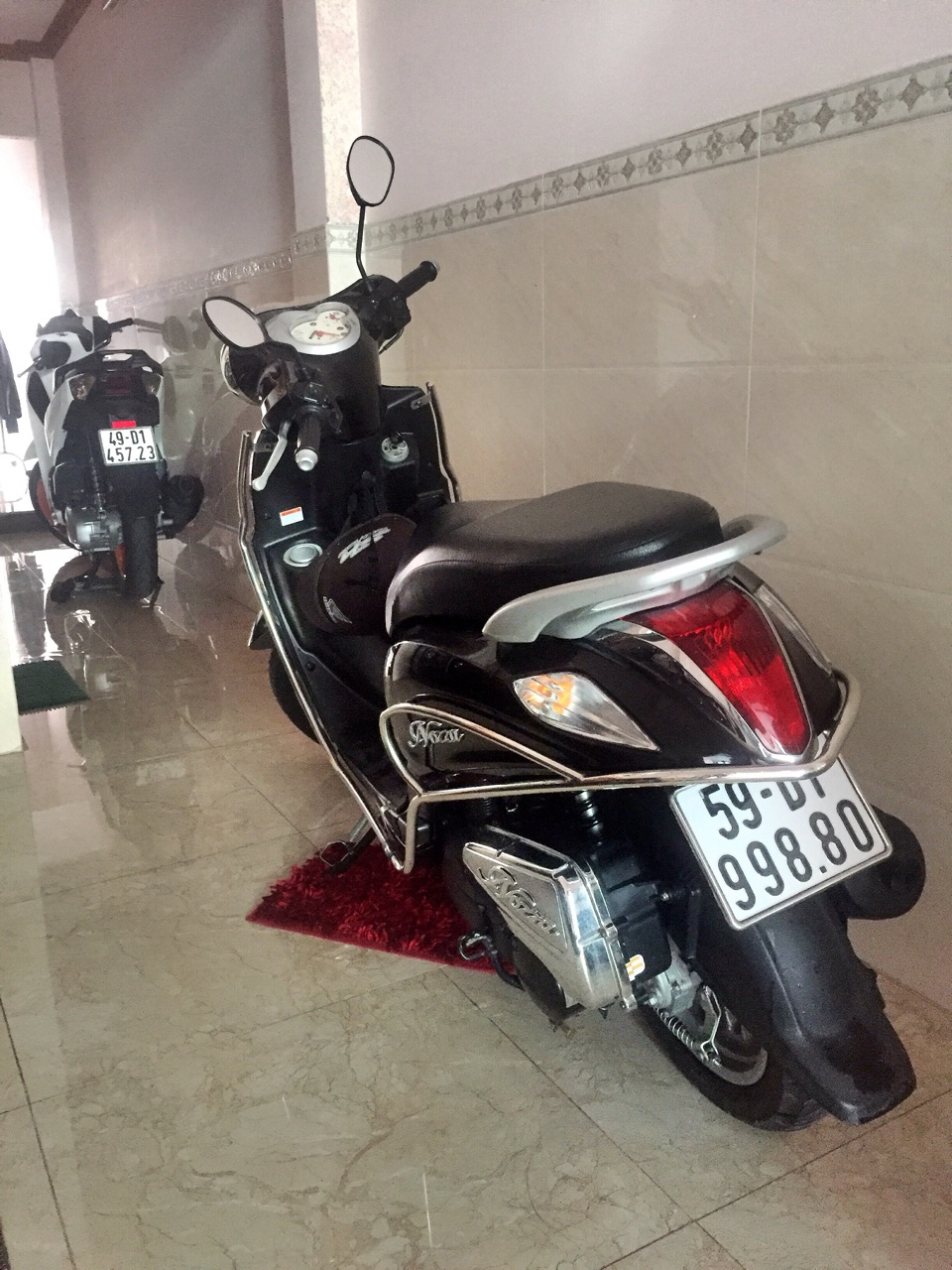 Yamaha Nozza xe Bien so VIP doi cuoi nu chay