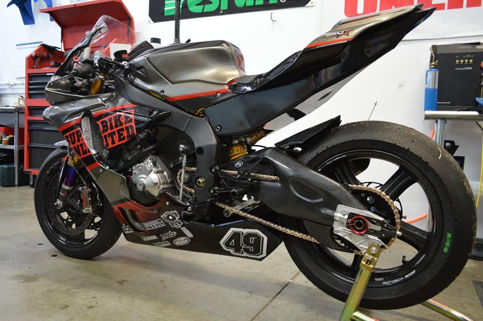 Yamaha R1 ban do cang det cung option truong dua - 6