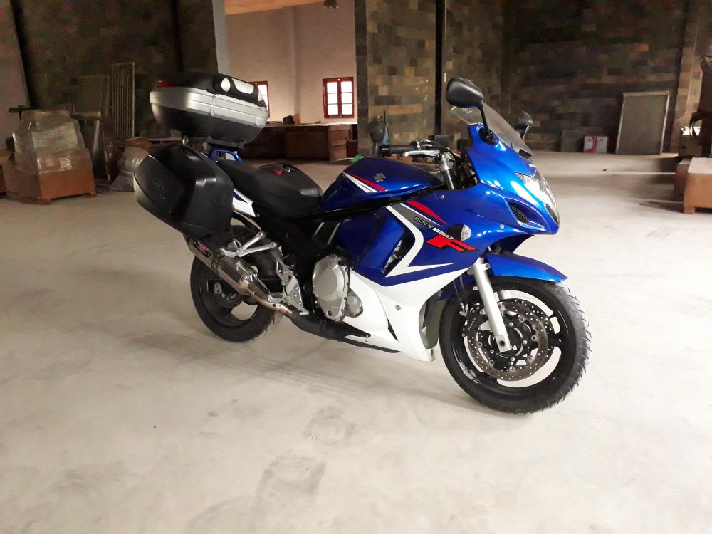 2010 Suzuki GSX650F sport touring da di chi 2500km - 3