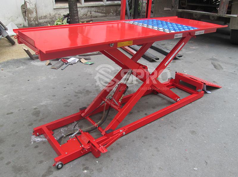 Ban nang co dap chan T250 nang xe may 150kg