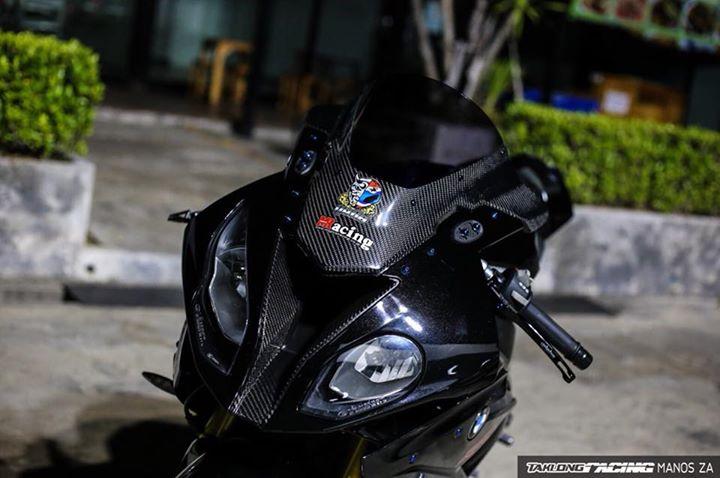 BMW S1000RR suc hut lan toa tu dan do choi nong bong - 3