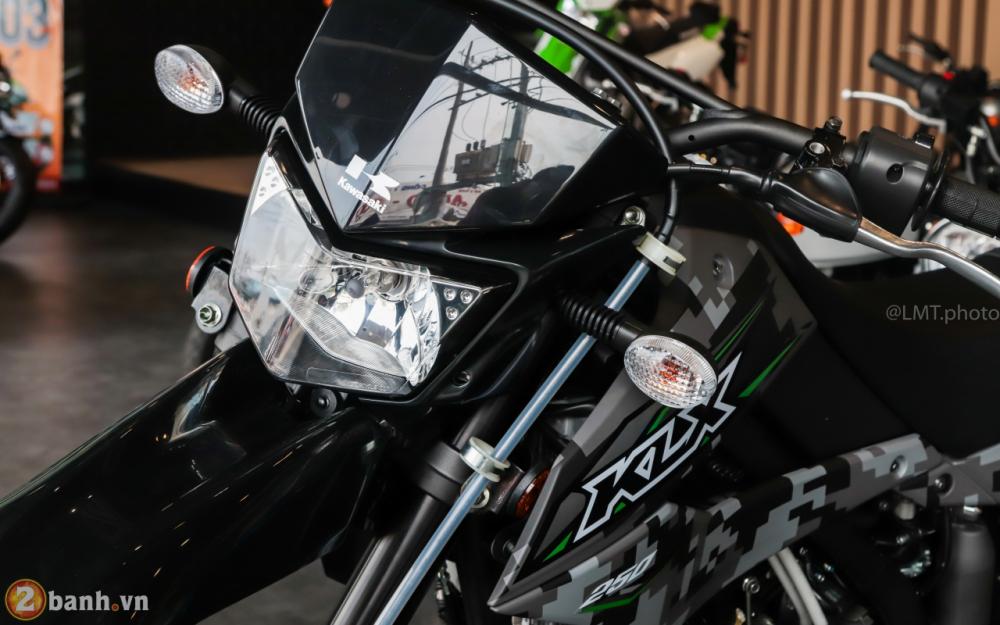 Can canh Kawasaki KLX250 Camo gia 126 trieu dong - 2