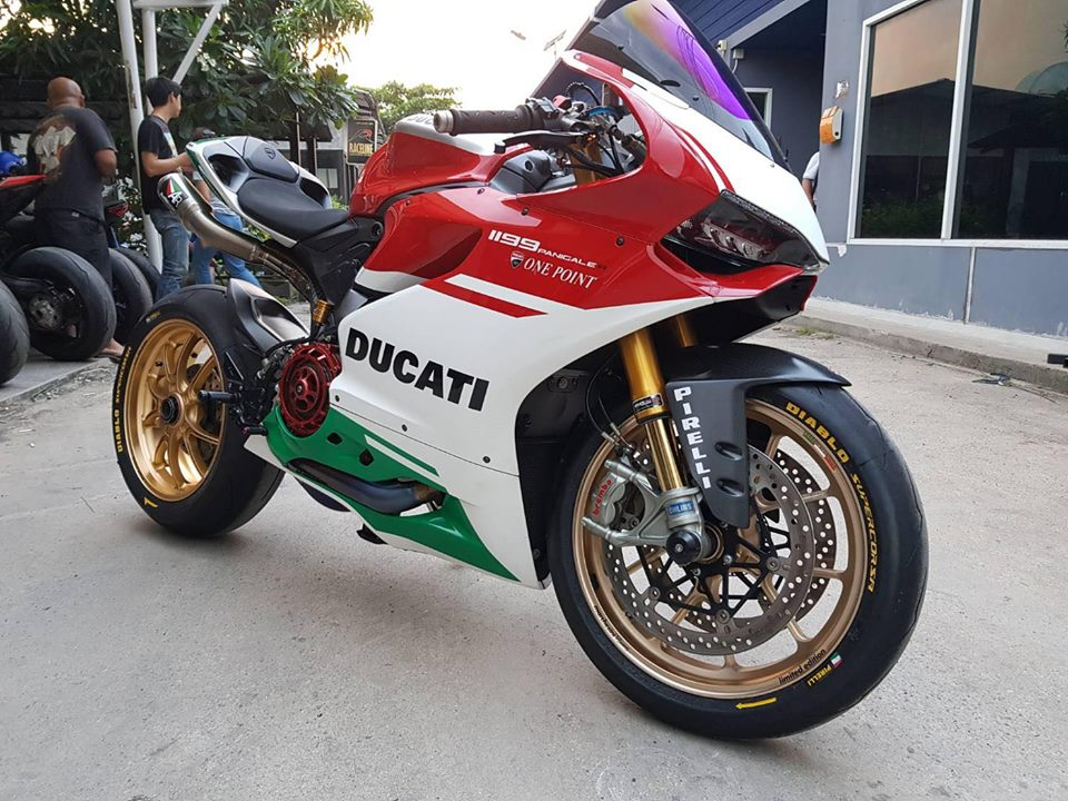 Ducati panigale 1199R ban do ba chay voi nong sung Austin racing Rs22 full inconel