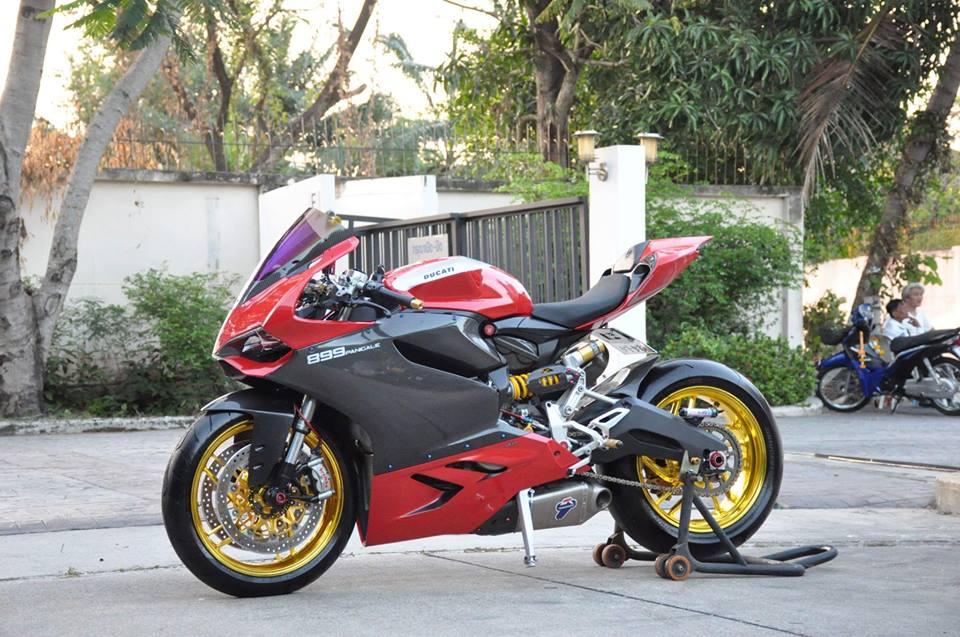 Ducati Panigale 899 do nhe cuc chat den tu Xu chua Vang