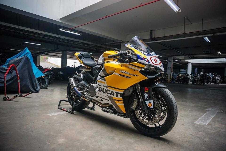 Ducati Panigale 899 do nhe cuc chat voi bo canh moto GP 2018 - 3
