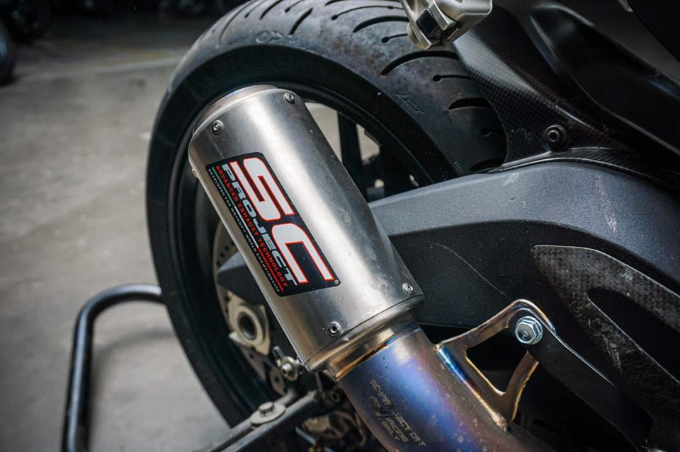 Ducati Panigale 899 do nhe cuc chat voi bo canh moto GP 2018 - 12