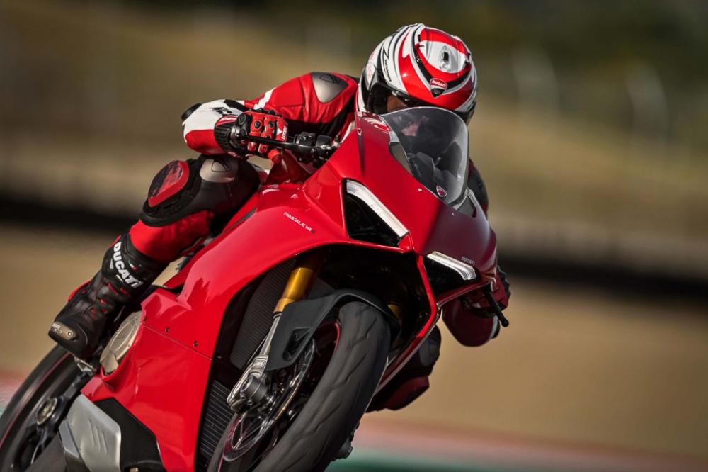Ducati Panigale V4 2018 dot ngot boc chay khong ro nguyen nhan - 3