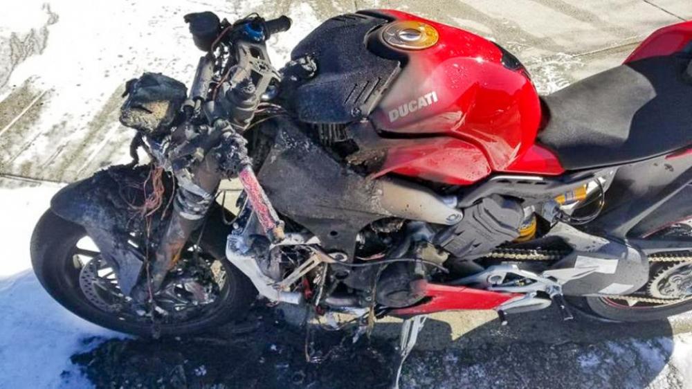 Ducati Panigale V4 2018 dot ngot boc chay khong ro nguyen nhan - 5