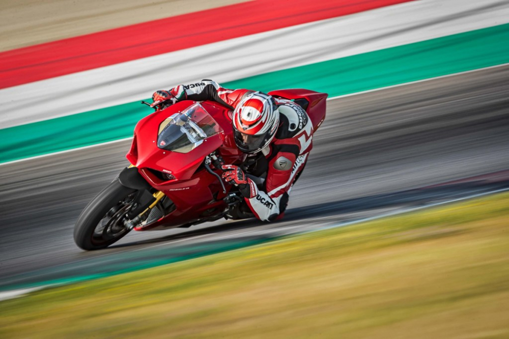 Ducati Panigale V4 2018 dot ngot boc chay khong ro nguyen nhan - 7