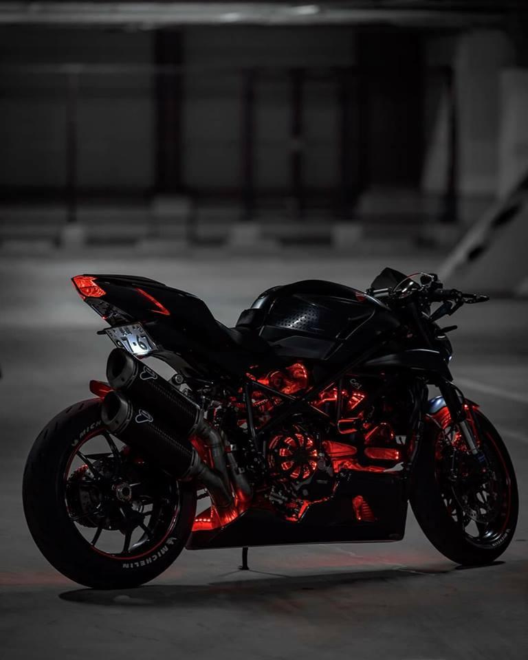 Ducati Streetfighter 848 ga con do duong pho tao dang cuc ngau duoi tang ham toi den - 4