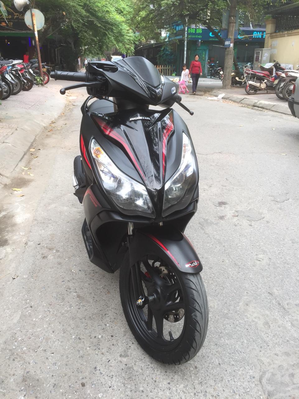 Honda Air blade 125fi Black Edition 2015 den mo chinh chu bien HN - 5
